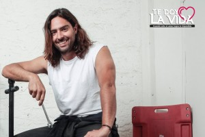 De aventurero a mecánico: el cambio de look de Cristián Riquelme