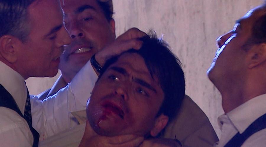 ¡Armando desató su furia contra Camilo!