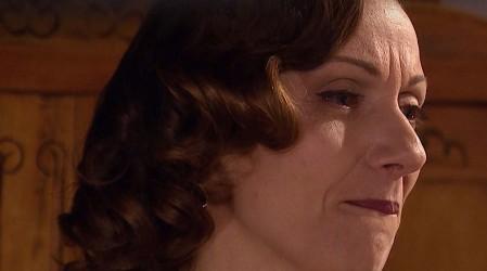 Avance: ¡Elvira le confesará a Ernesto que no se puede casar!