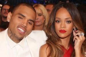 Ex de Rihanna en la polémica: ¡Es captado tomando del cuello a una mujer de forma muy violenta!