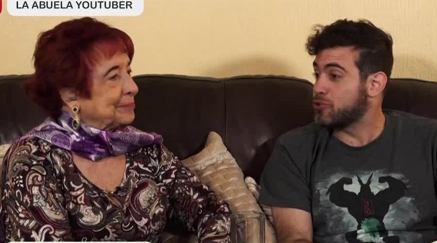 ¡La abuela youtube le contó el final de Avengers a su nieto!
