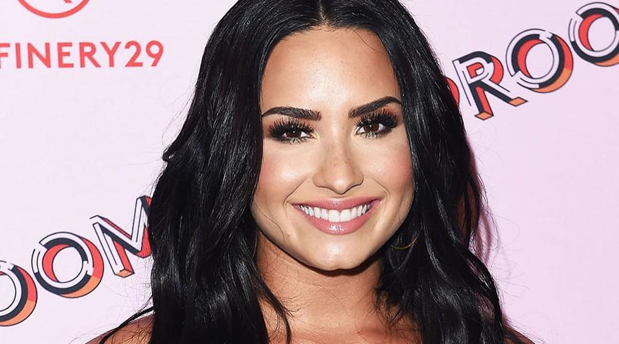"""Demi Lovato publica foto """"body positive"""" sin editar mostrando su celulitis"""