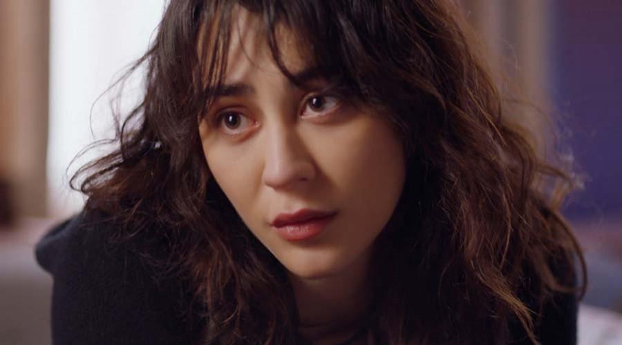 Meral le asegura a Cemre que su amor con Kerem es imposible (Parte 2)