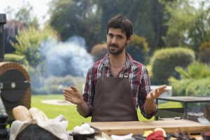 Locos x el Asado: Luciano preparó unas increíbles empanadas junto a dos invitados de lujo