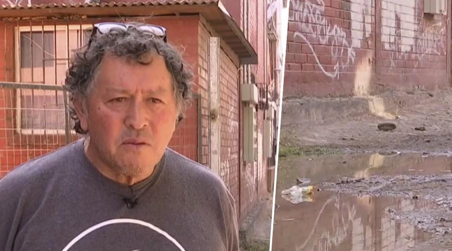 Vecinos de Lo Espejo conviven con aguas servidas hace 20 años