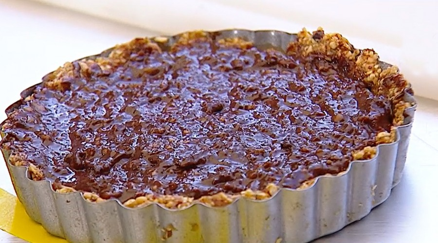 Connie Achurra visitó Mucho Gusto para preparar una exquisita tarta chocolatísima