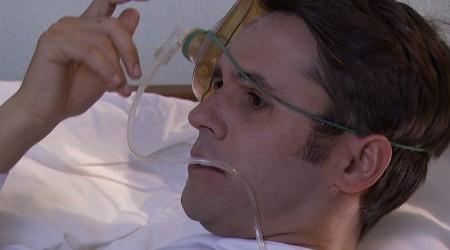 Carlos despertó del coma