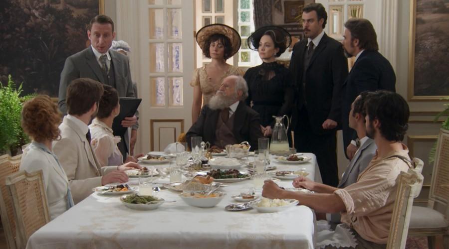 Julieta tomó posesión de la hacienda Cavalcante (Parte 1)