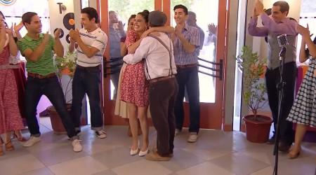 """Gloria y Ángel interpretaron el tema """"Quiero gritar que te quiero"""" en la fuente de soda"""