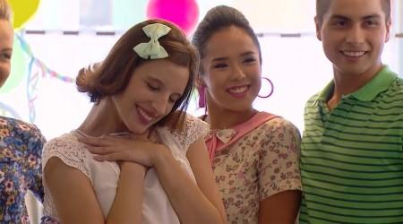 """Blanca sorprendió en la bienvenida de Carlos con el tema """"Tú serás mi baby"""""""