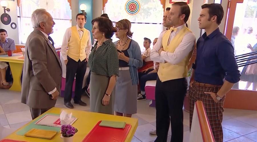 """""""Tiene todos mis respetos"""": Seguidores de Yo soy Lorenzo celebraron actitud de Rosita frente a su cliente"""