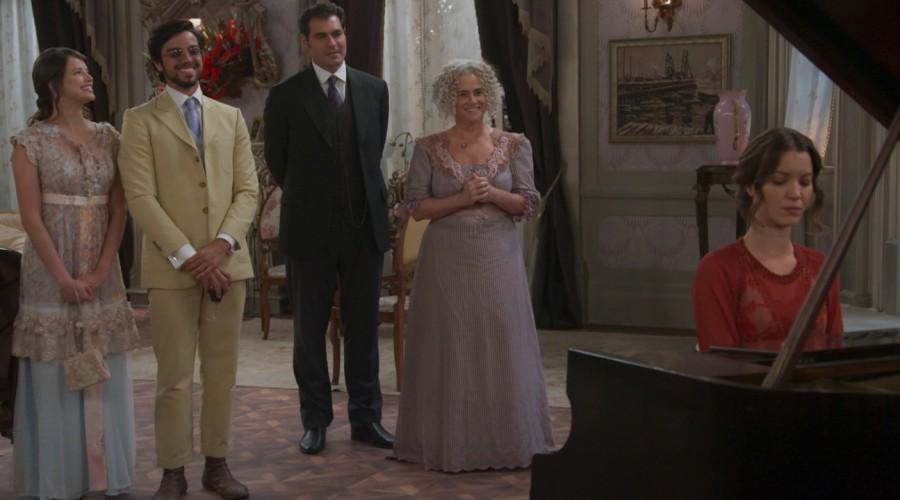 Elisabeta demostró su personalidad frente a su suegro (Parte 1)
