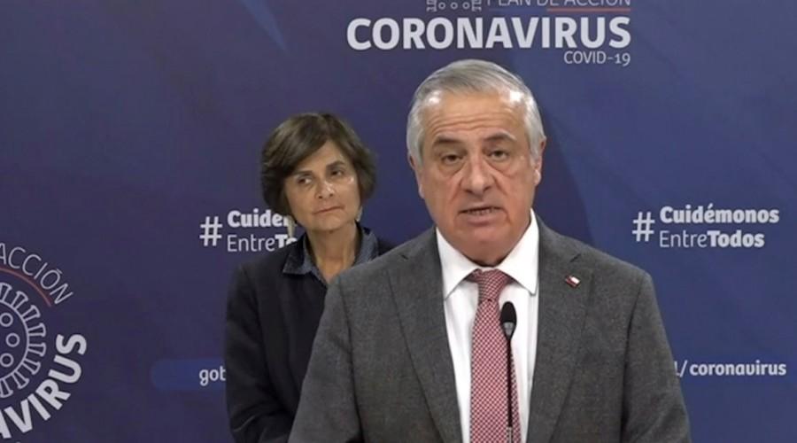 Ministro Mañalich asegura que el precio del test de Covid-19 no superará los 25 mil pesos