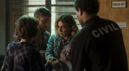Lucía fue arrestada por la policía (Parte 1)