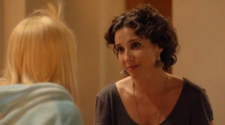 Antonia ayuda a Laura a planear su fiesta de cumpleaños