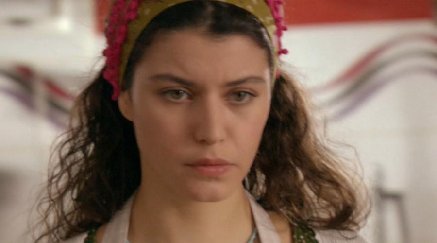Fatmagul no entiende el distanciamiento de Kerim (Parte 2)