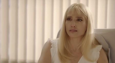 Laura está muy afectada por la relación de Pedro y Miss Cristina