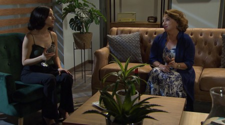 Rocío cede y vuelve a beber tras invitación de Leticia