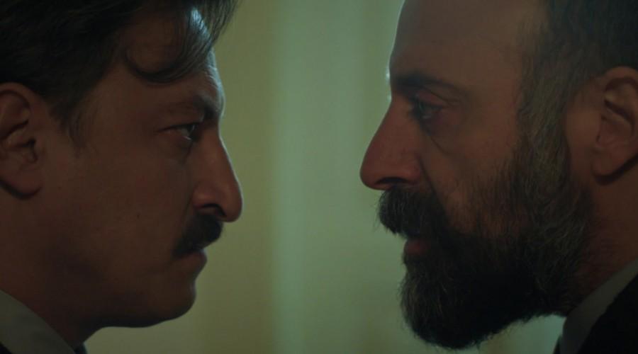 Cevdet se enfrentó a Tevfik frente a Azize (Parte 1)