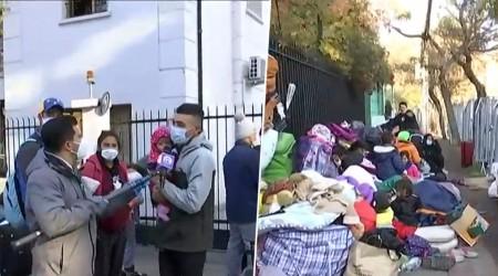 """""""El frío es impresionante"""": 30 niños llevan más de una semana durmiendo fuera de la embajada de Venezuela"""