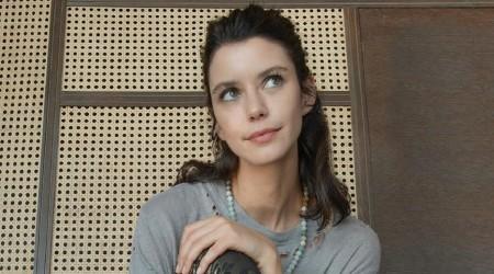 La actriz turca Beren Saat refleja en sus looks su paso por Fatmagul