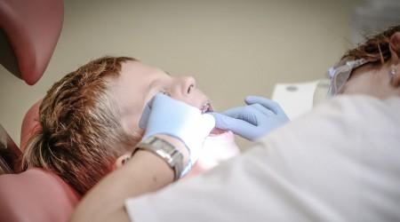 #5TipsLive: Cirujano dental y la importancia de lavar los dientes tras comer azúcar
