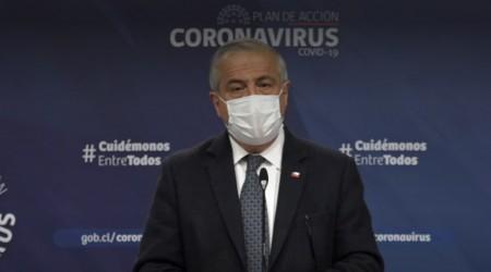 """""""Son momentos de soledad y angustia"""": Ministro Mañalich lamenta mayor número de contagios y muertes en Chile"""