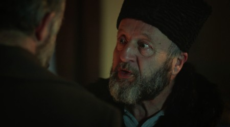 Esref le dice a Cevdet que debe renunciar a salvar a Hilal (Parte 2)