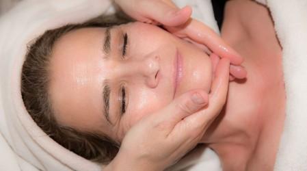 #5TipsLive: Dermatóloga recomienda uso de vaselina en pieles con psoriasis