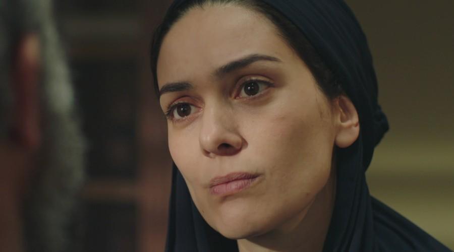 Azize le pide a Cevdet que no interfiera en su vida (Parte 2)