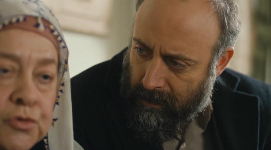Cevdet quiere impedir el compromiso de Azize y Tevfik (Parte 1)