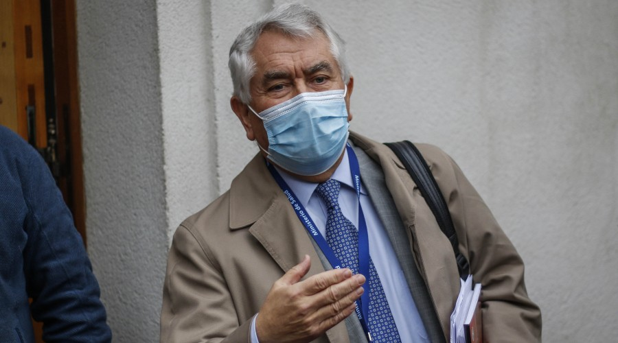 """Ministro Paris en informe diario sobre Covid-19 en Chile: """"Se observan 18 días de mejoría constante"""""""