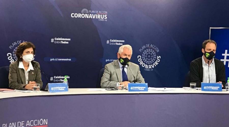 """Ministro Paris por noche de incidentes en diversas comunas: """"Esto aumenta los riesgos de contagios"""""""
