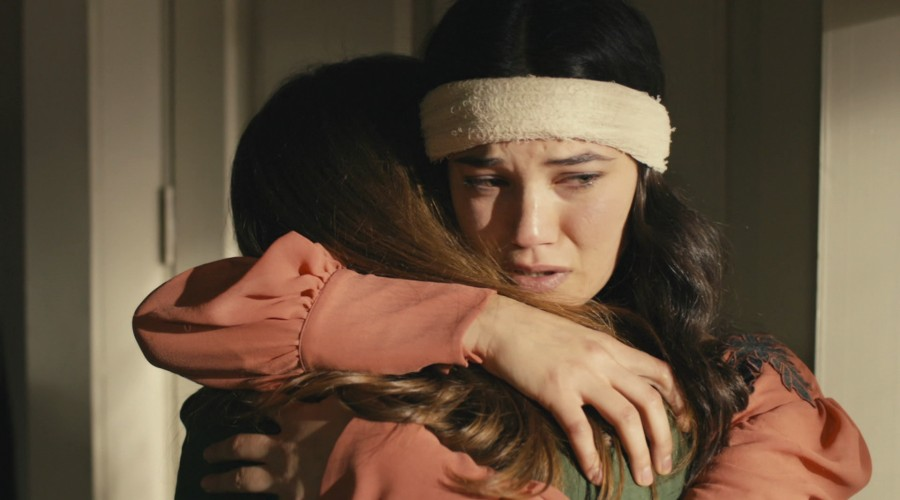 Yildiz le confiesa a Hilal que ama a León (Parte 2)