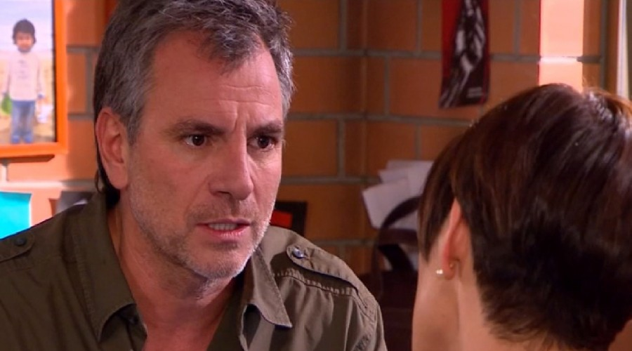 Avance: Manuel quiere que Tichi le cuente a José Antonio que se enamoró de otro