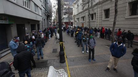 Se inició trámite para solicitar el 10%: Largas filas afuera de AFP, Registro Civil y Juzgado de Familia