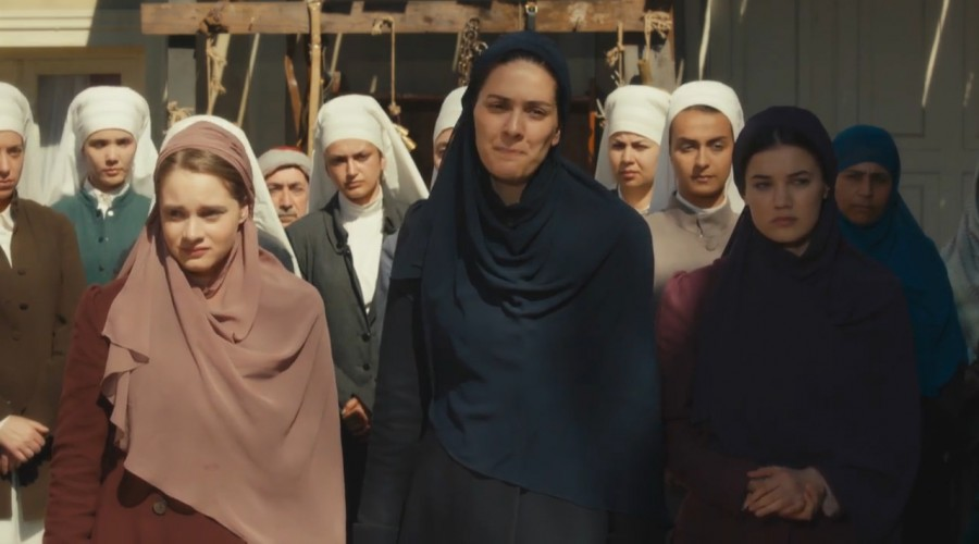 Avance extendido: Azize y sus hijas se organizarán para ayudar a los exiliados turcos