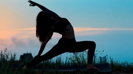 Lunes de yoga para todos los cuerpos: Posturas para activar el chakra del equilibrio