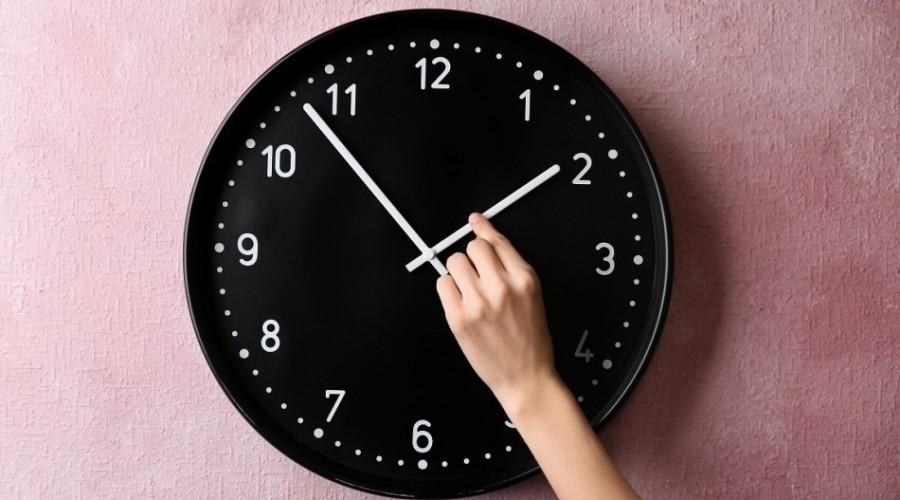 ¿Cuándo se cambia la hora? Revisa cómo se deberán modificar los relojes y aparatos