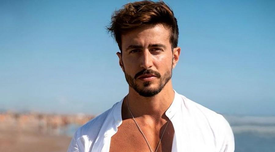 """Marco Ferri se luce como modelo en Italia a cuatro años de """"¿Volverías con tu ex?"""""""