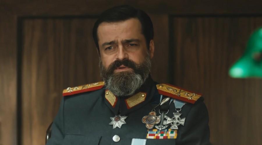 Hamilton planea una nueva jugada junto al General Vasili (Parte 2)