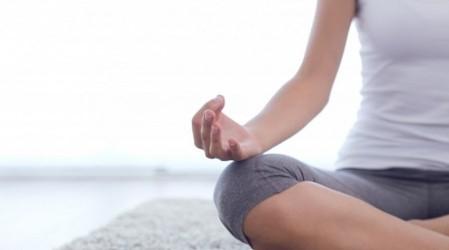 Lunes de yoga: Posturas para alinear el cuerpo