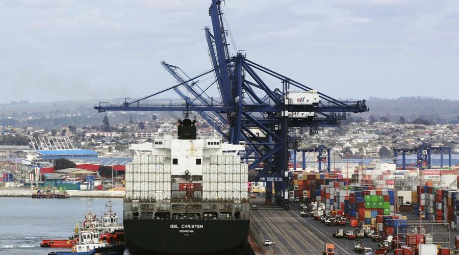 Hay 290 toneladas de alimentos retenidos en el Puerto de San Antonio por la falta de camiones