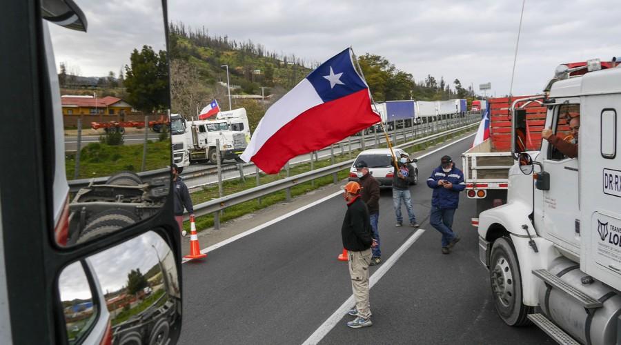 Camioneros deponen paro en Valparaíso tras una semana de movilización