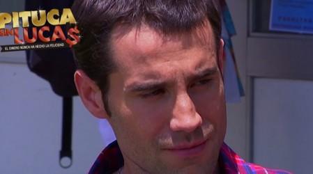 Gladys le dice a Felipe que María Jesús está enganchada de Salvador