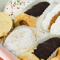 """Descubre las cajas con pasteles típicos chilenos y las clásicas empanadas de """"Pastelería Don Humberto"""""""