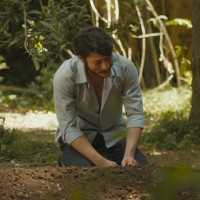 Ali Kemal visita la tumba de Vasili (Parte 1)