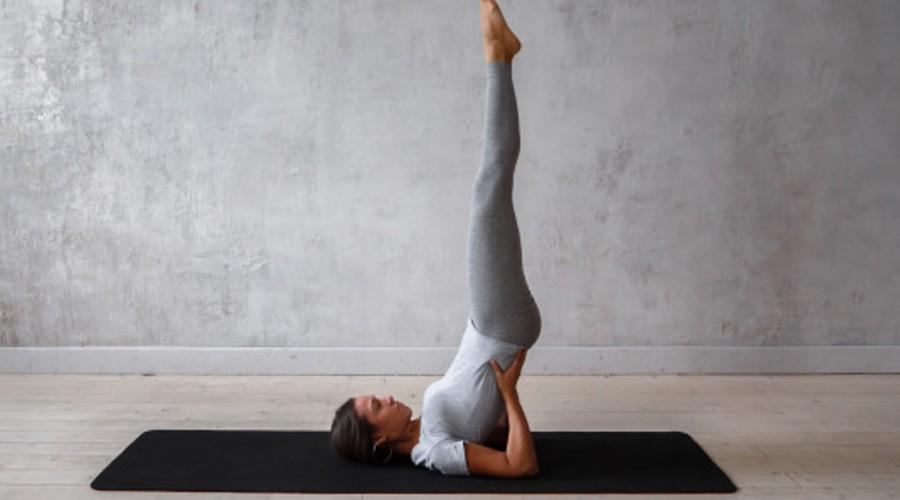 """Última clase de ¡Yoga para todos los cuerpos!: Posturas para llegar a paro de cabeza o """"Sirsasana"""""""