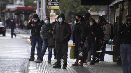 """""""Lo fundamental es la mascarilla"""": Dr. Rivera entregó consejos a puentealtinos"""