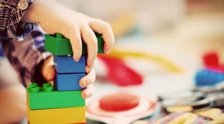 Inventa obras de teatro para fomentar la creatividad en los niños